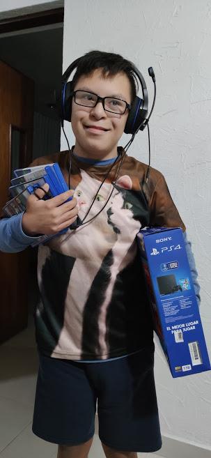 elias con playstation
