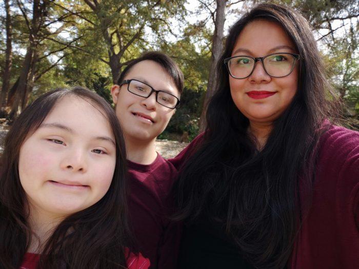 Alicia Llanas, Elias y Eva en Monterrey